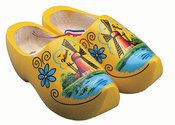 Main_thumb_yellow-wooden-shoes